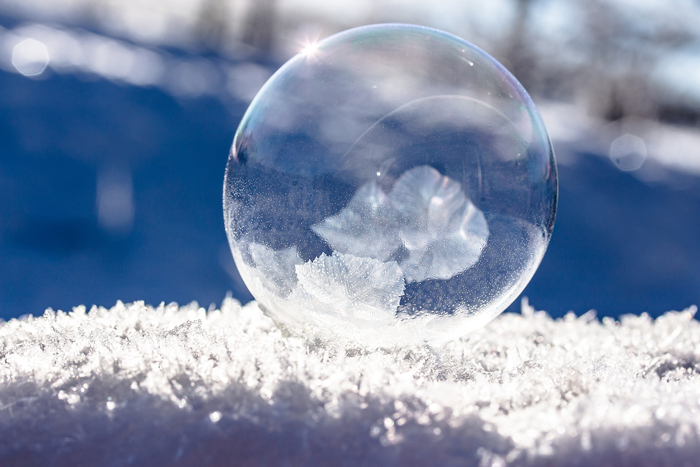 frozen-bubble-1986676_1920.jpg